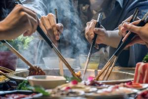 2021年两会关于餐饮热门提案都有什么?