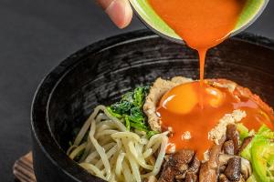 绍兴食为先石锅拌饭实训