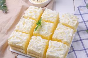 成都王森三年蛋糕甜点中专班